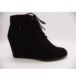 NEW American Rag Baylie Lace-Up Wedge Ankle Boots